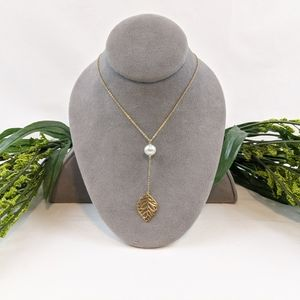 Jewelry - 14k Gold Cultured Pearl & Leaf Necklace